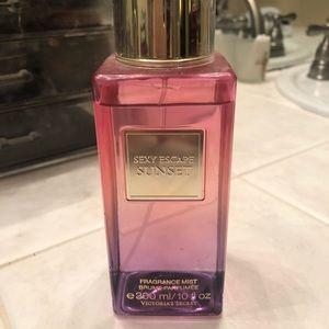 Victoria Secret sexy sunrise escape body spray